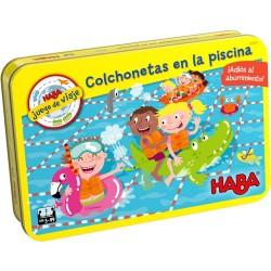 Colchonetas en la Piscina (Spanish)