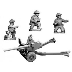 Late War British 6-pdr. Gun and 3 Crew